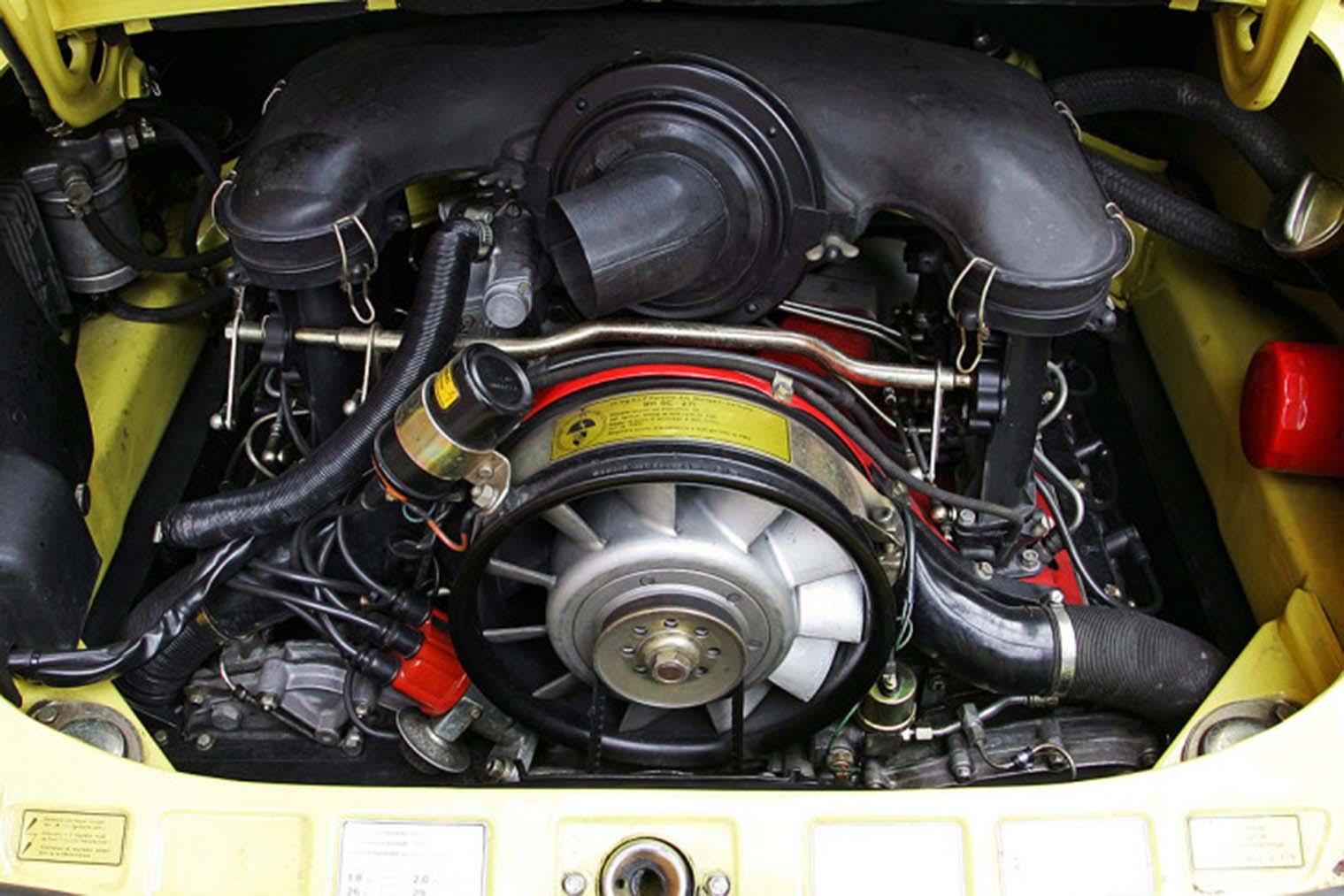 Porsche-911-Carrera-2-7-von-1973-Motor.jpg