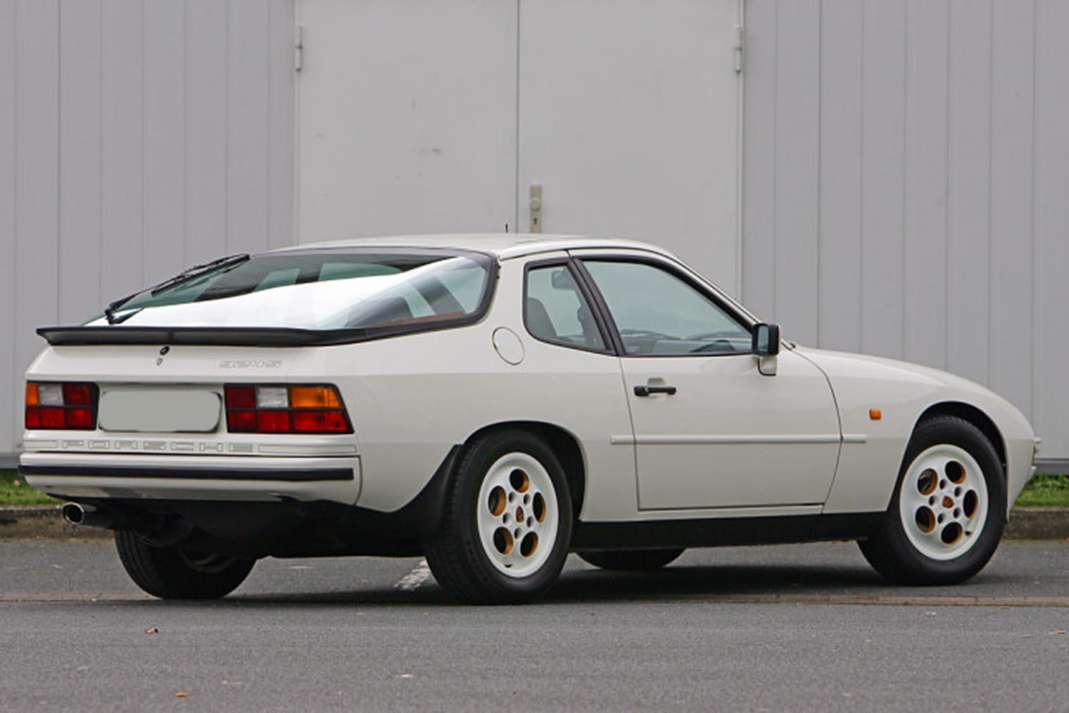 Porsche-924-S-hinten.jpg