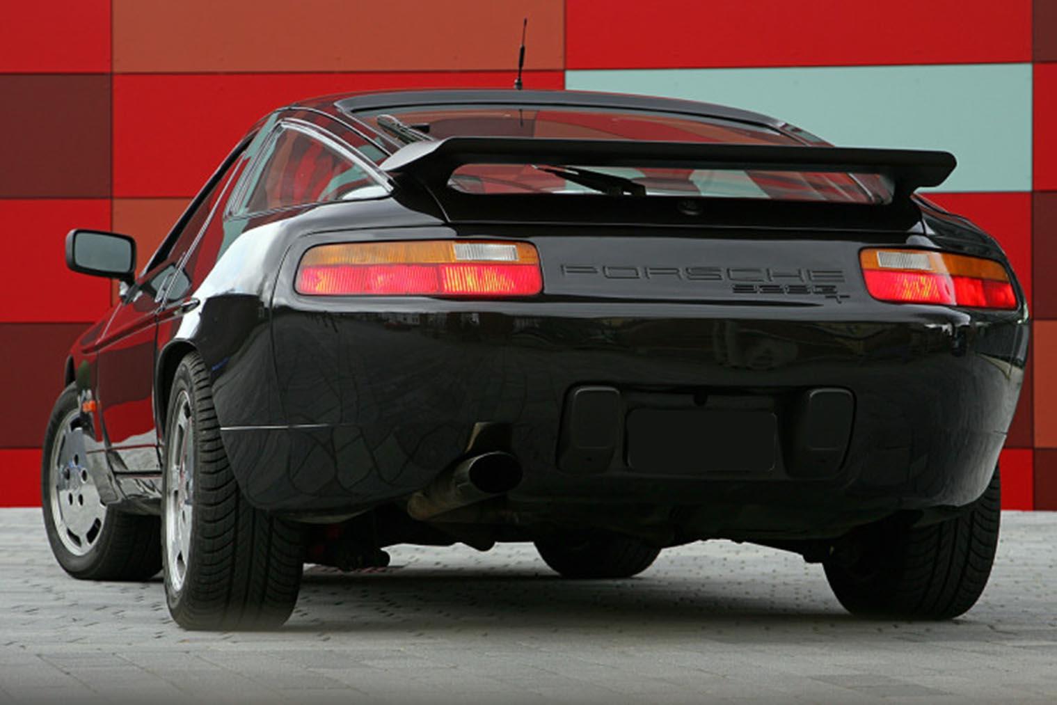 Porsche-928-GT_hinten.jpg