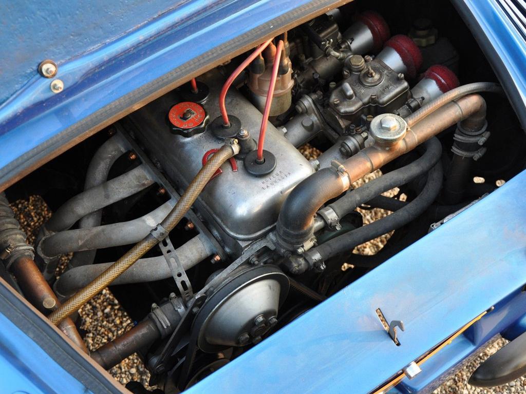 Renault-Alpine_A110_motor.jpg