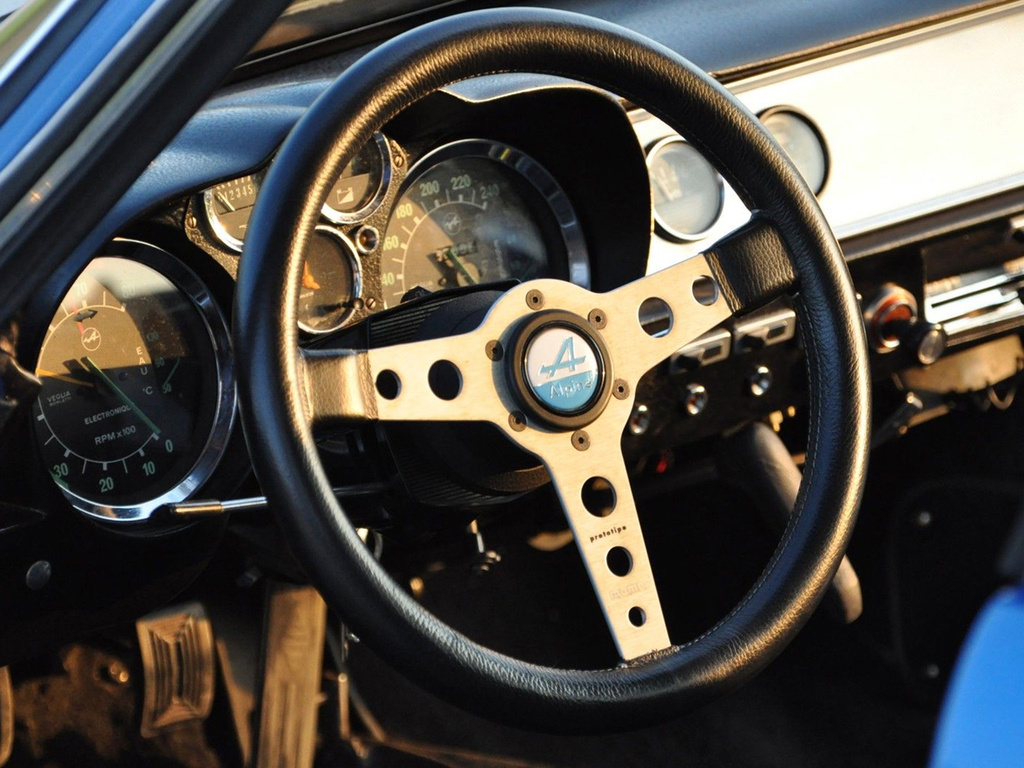 Renault-Alpine_A110_ubside.jpg