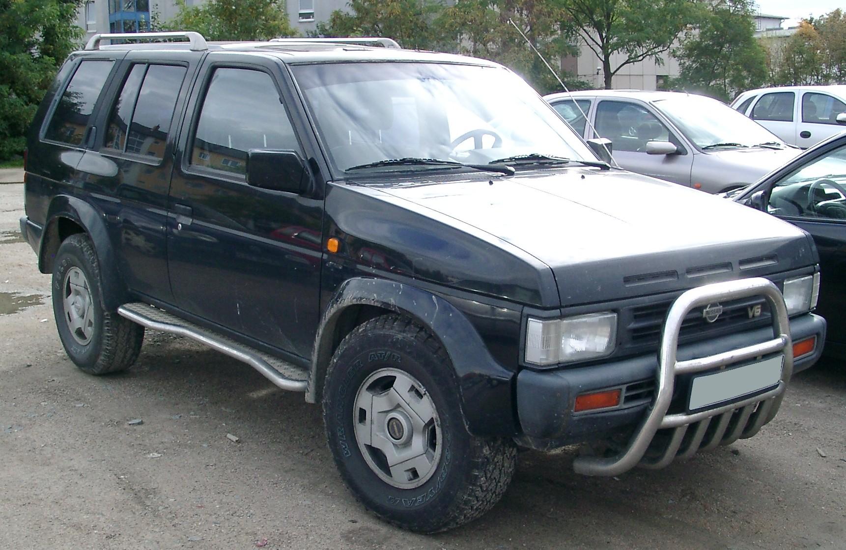 Nissan_Terrano_front_20070926.jpg