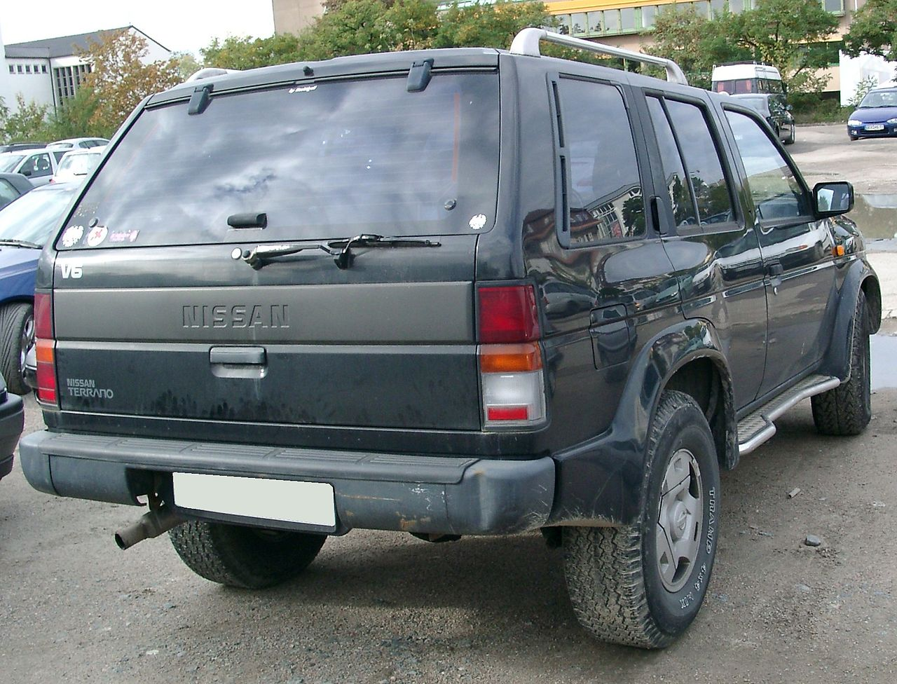 Nissan_Terrano_rear.jpg